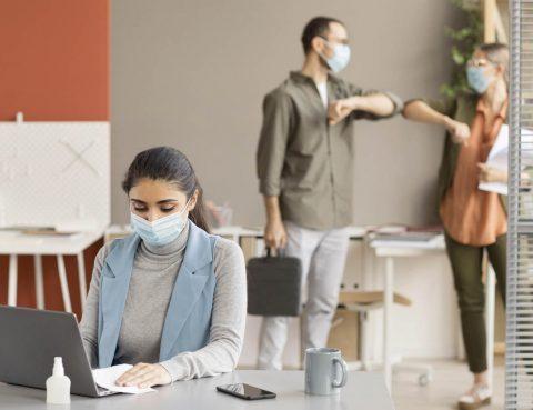 COVID-19: ¿Qué hacer si un empleado es positivo o ha tenido un contacto estrecho?